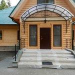 Деревянный дом на участке