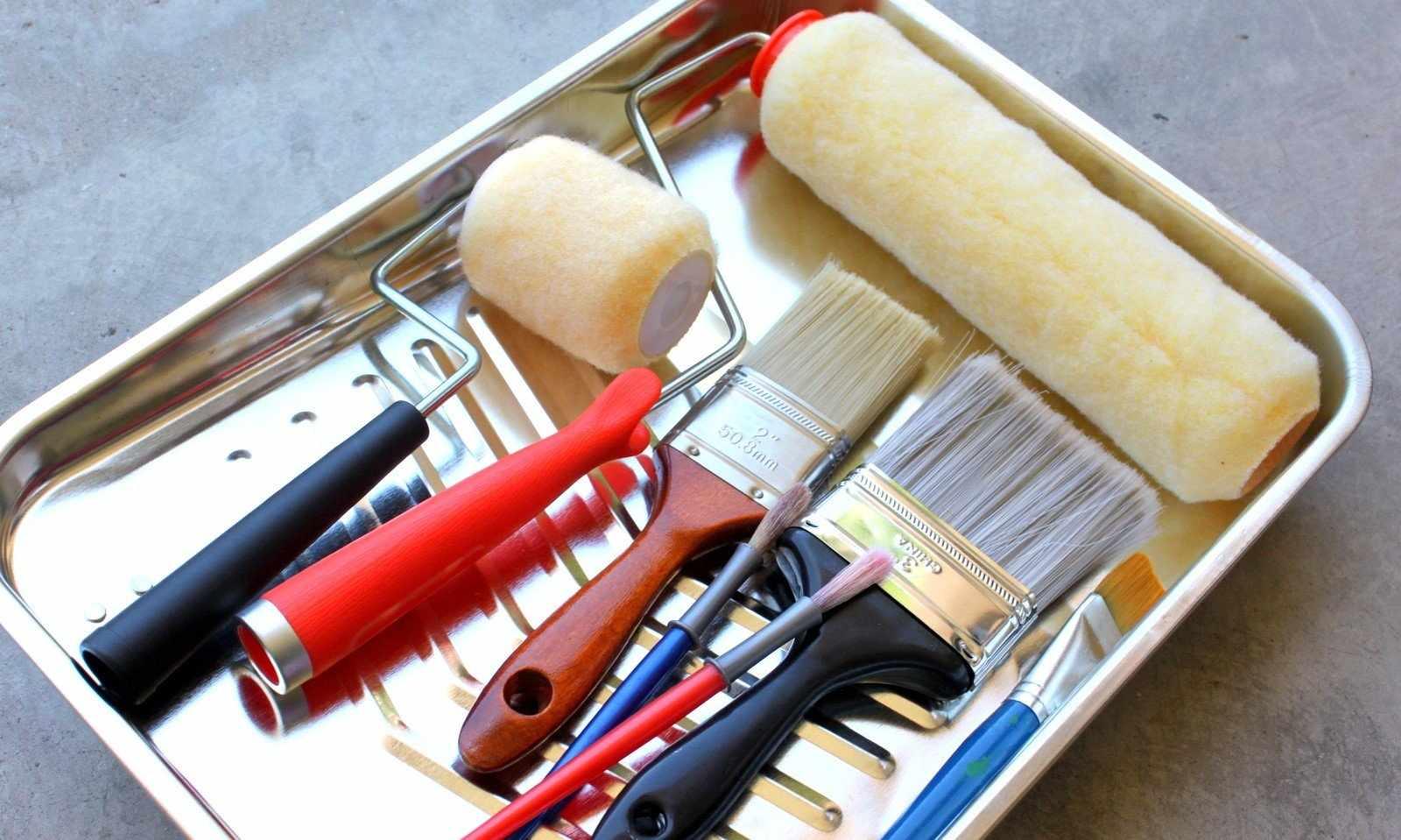 Инструменты для окрашивания ванной комнаты