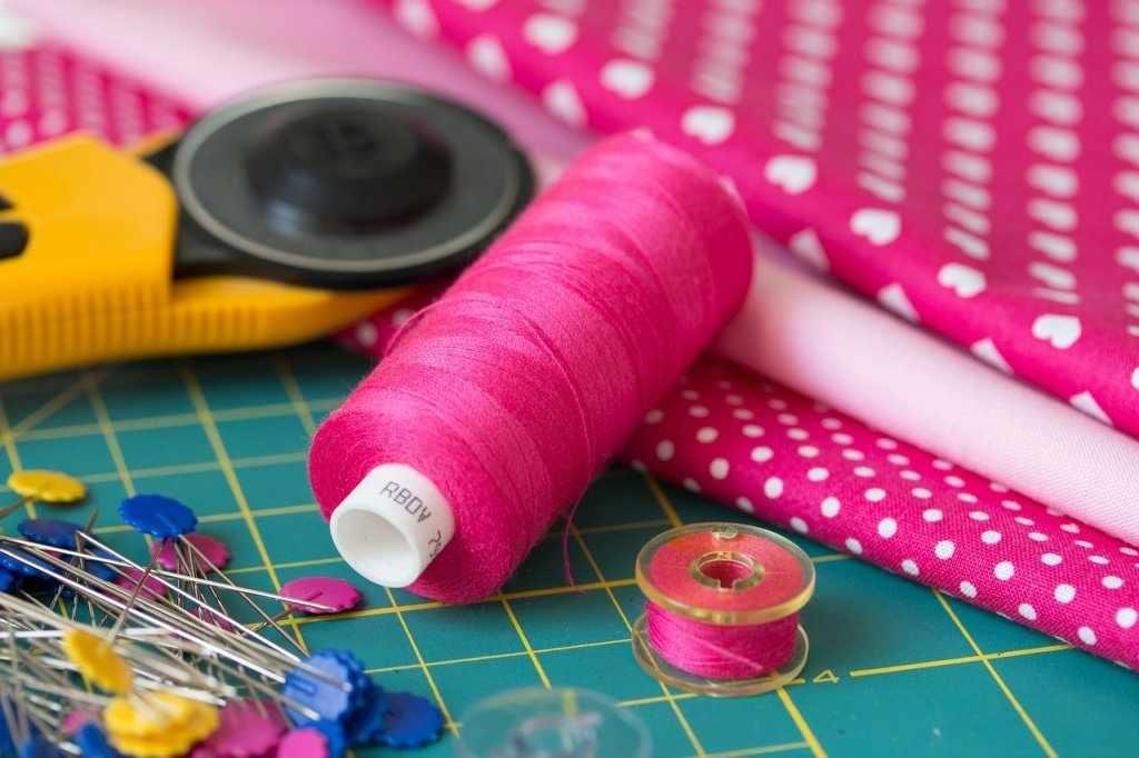 Ткань и нитки