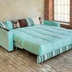 Светло-бирюзовый диван