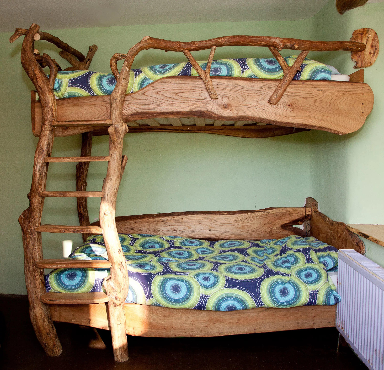 Необычная двухъярусная кровать