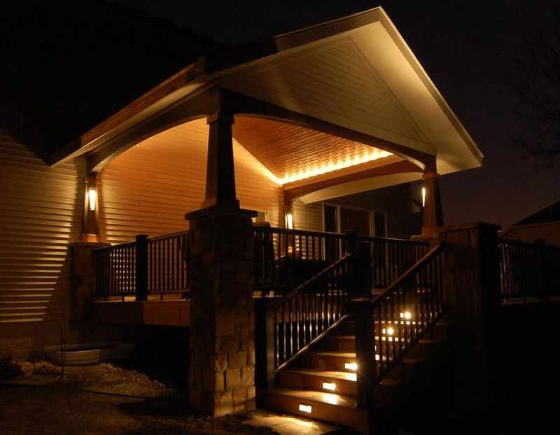 Освещение крыльца дома