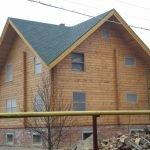 Бубновая крыша двухэтажного дома