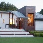 Сводчатая крыша частного дома
