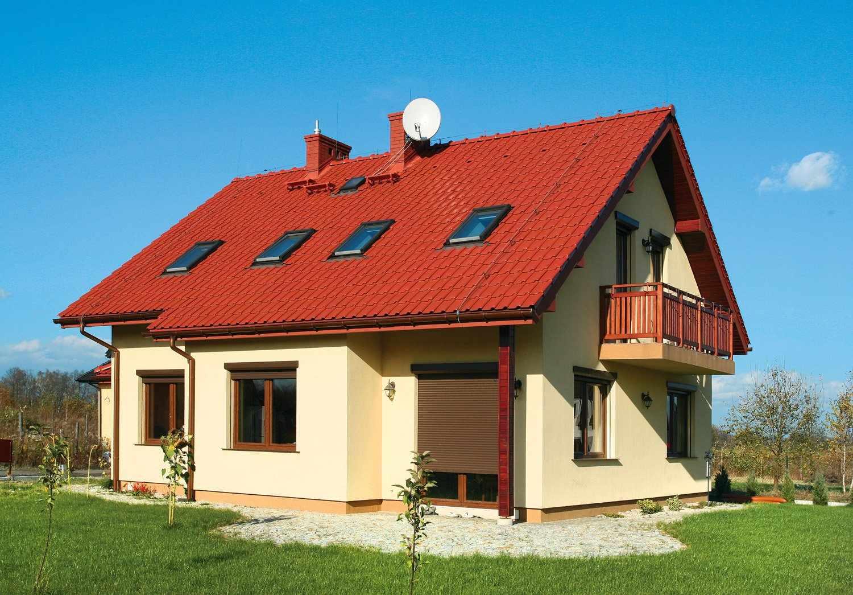 Двускатная красная крыша