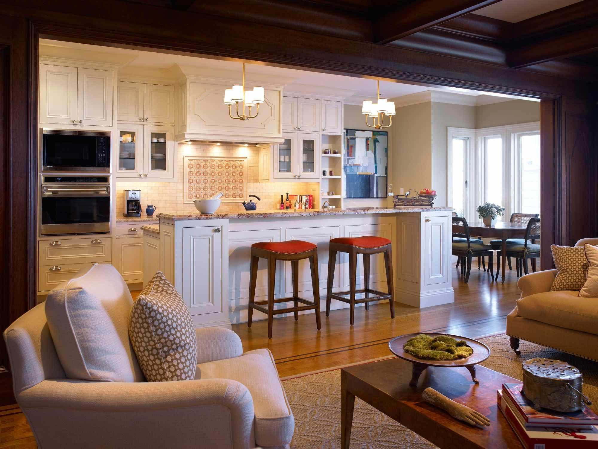 Расстановка мебели в кухни-гостиной