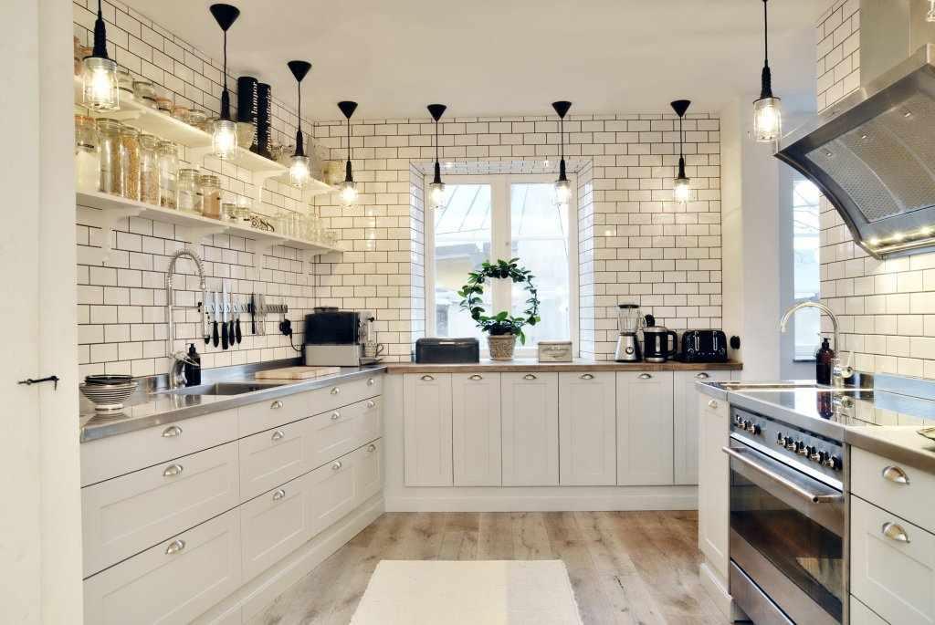 Кирпичные стены на кухне в скандинавском стиле