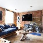 Мотоцикл в качестве декора квартиры