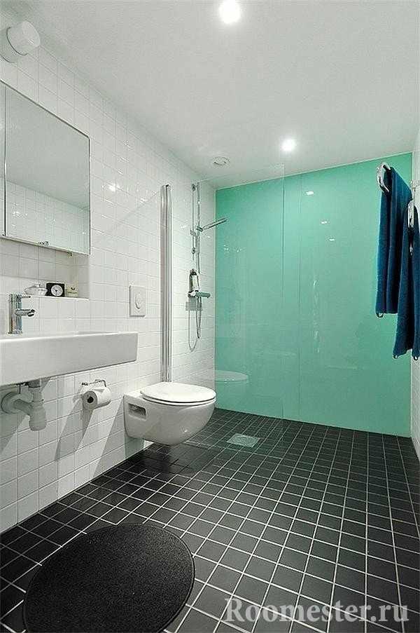 Бело-бирюзовая ванная