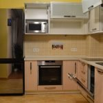 Кухня с бытовой техникой