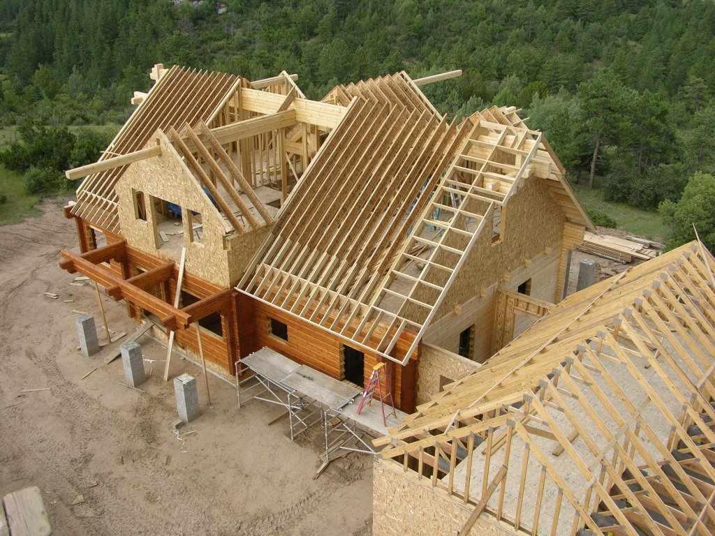 Процесс строительства крыш