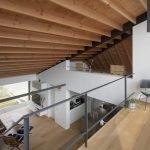 Двухярусный дом с односкатной крышей