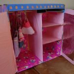 Шкаф из картона оклеен бумагой