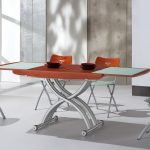 Раскладывающийся обеденный стол