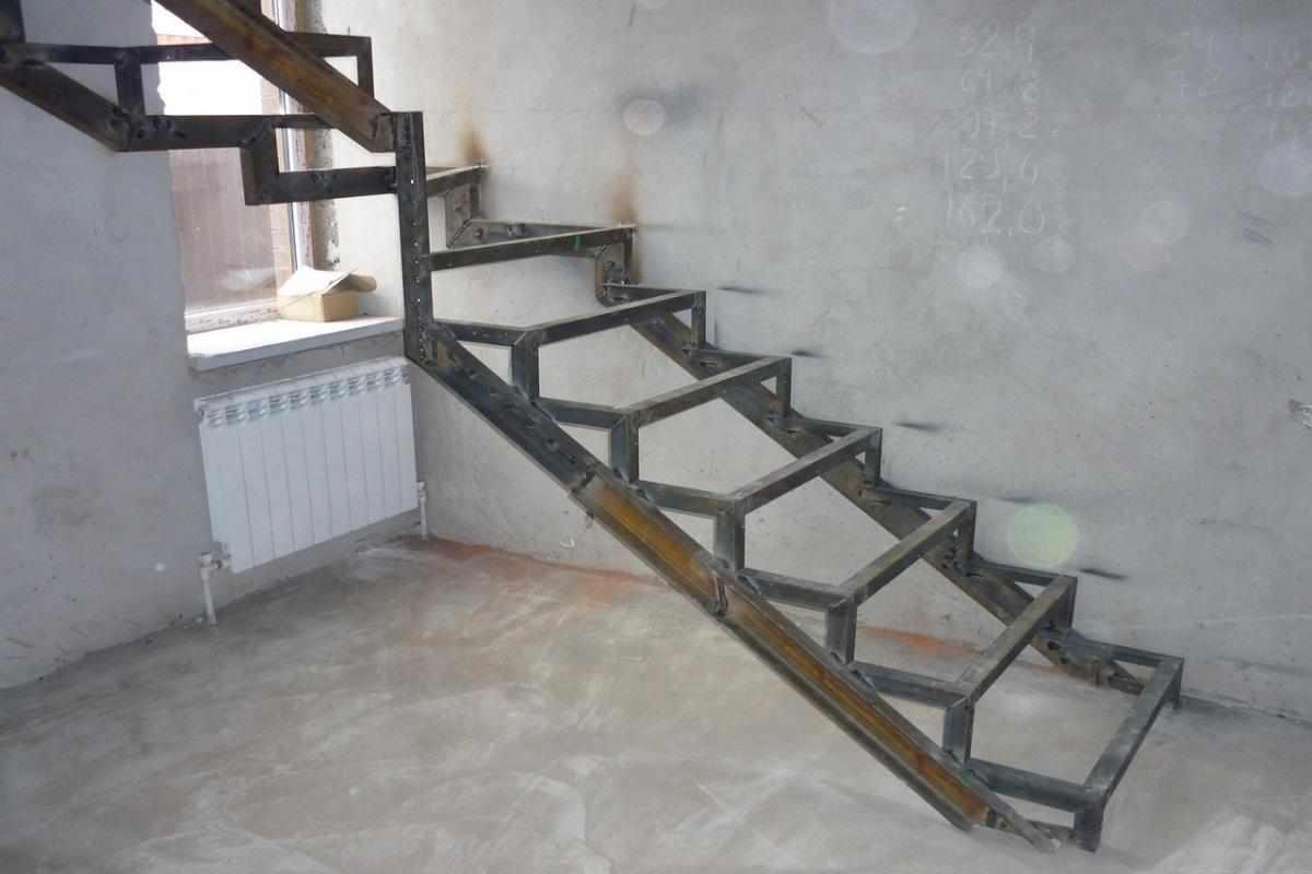 Изготовление металлической лестницы своими руками