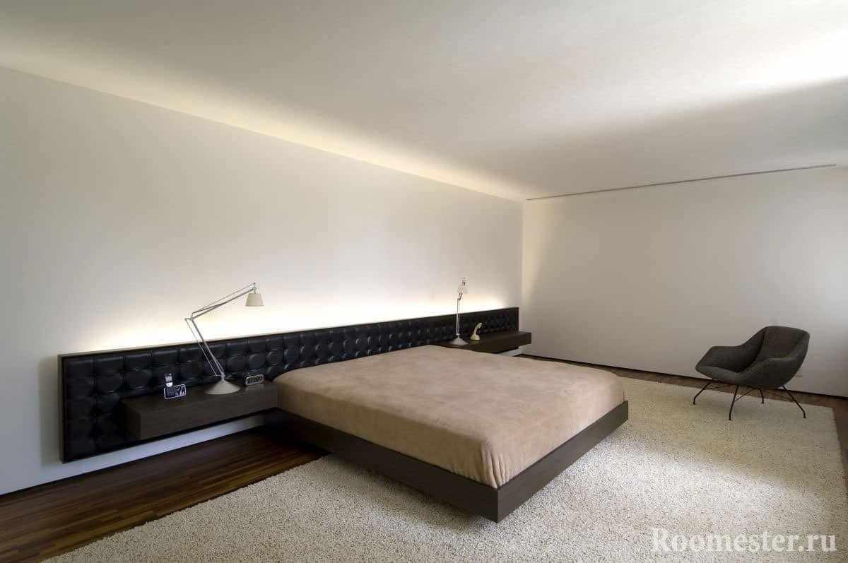 Огромная спальная комната