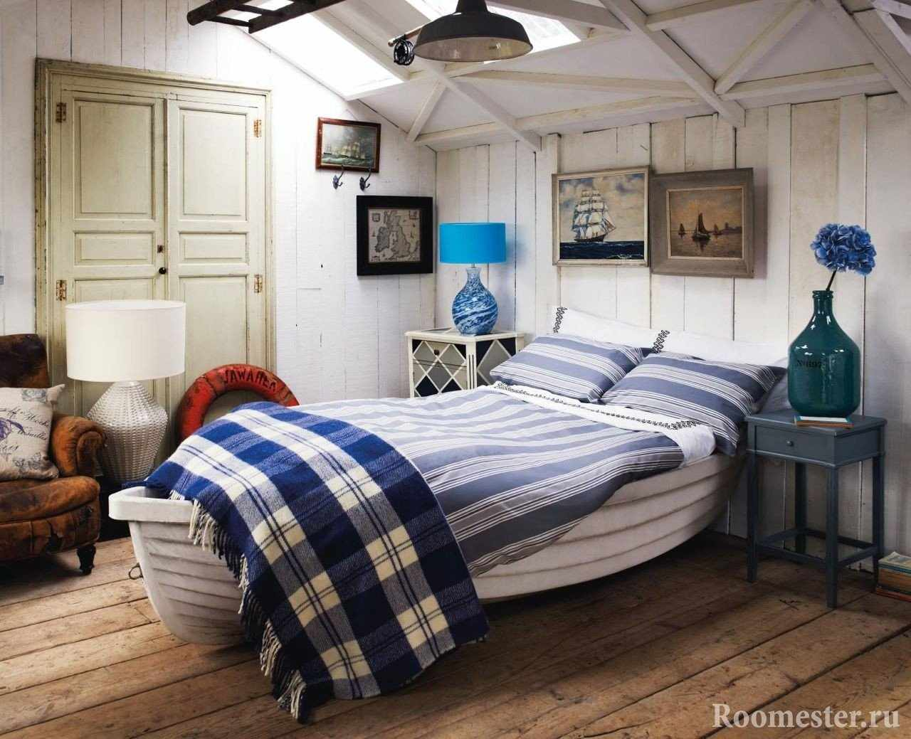 Кровать в форме лодки