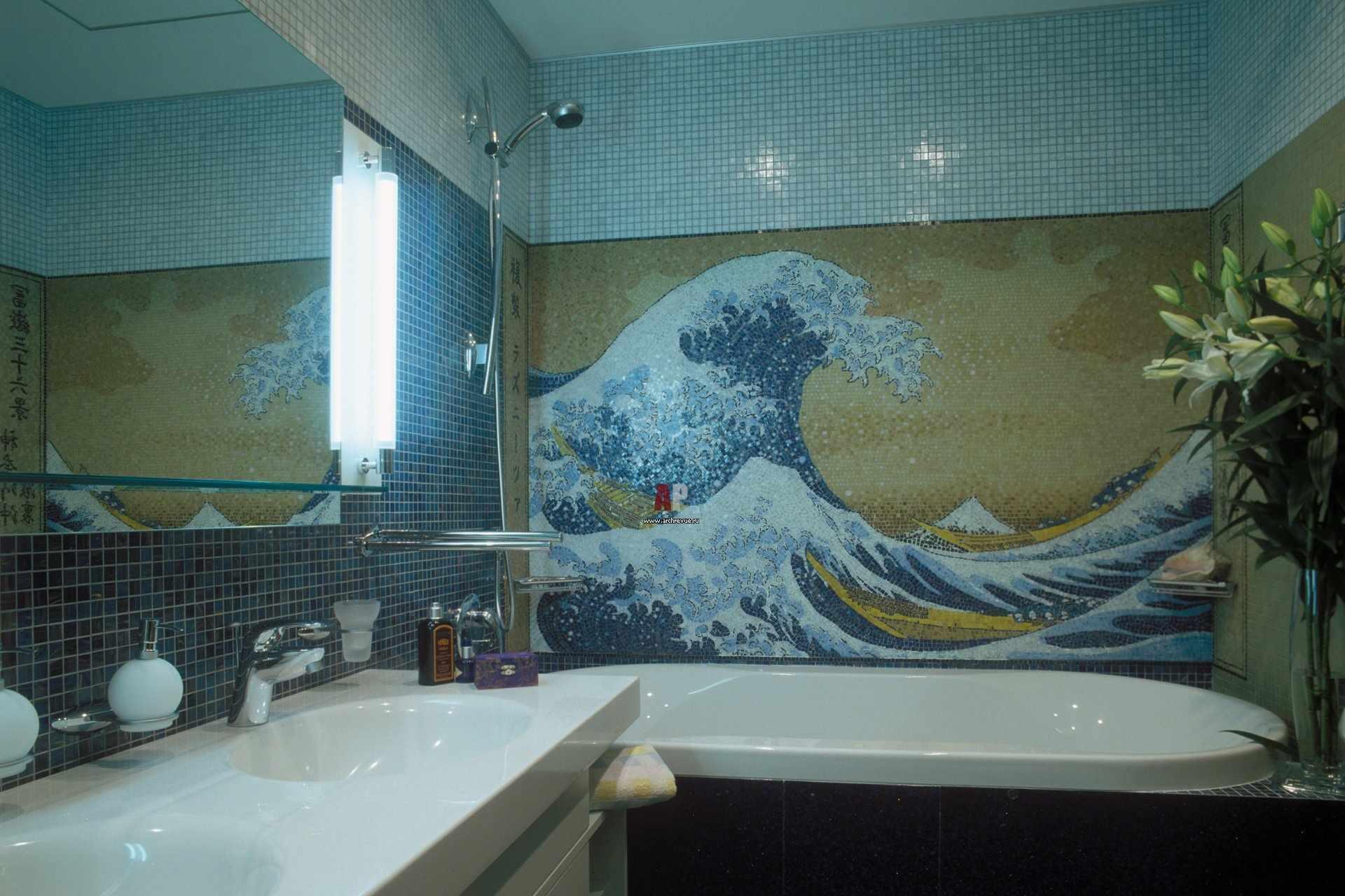 Картина из мозаики в ванной
