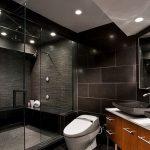 Ванная с дизайном в темных тонах