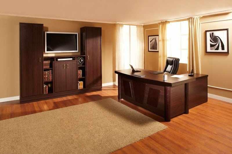 Телевизор в кабинете