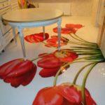 Тюльпаны на полу