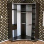 Угловой шкаф купу с закругленной дверью