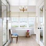 Дощатый пол в ванной комнате