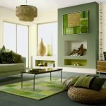 Бежево-зеленый интерьер гостиной