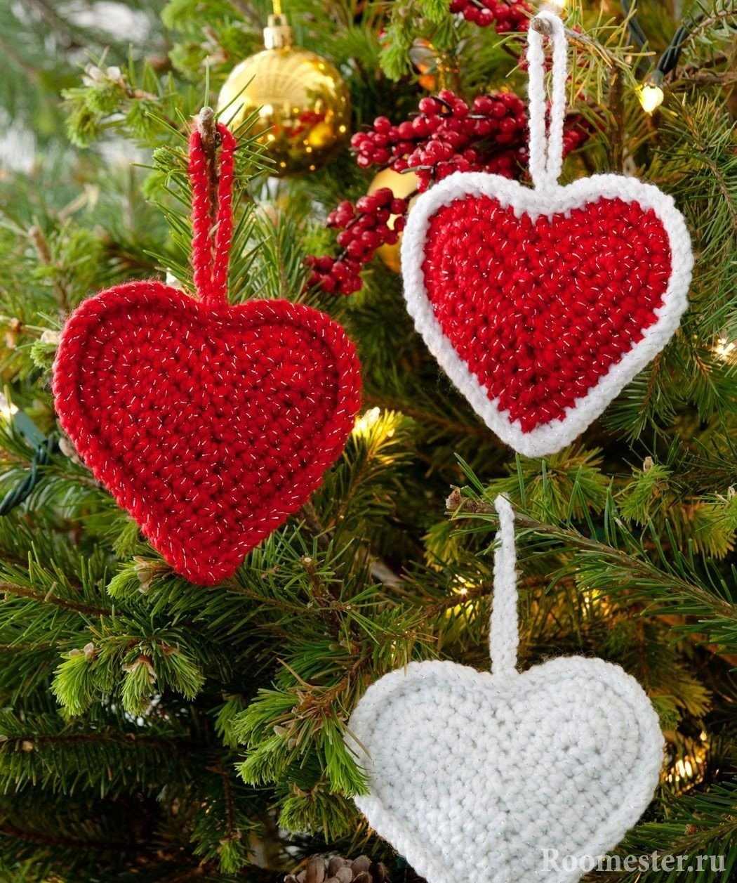 Вязанные сердца на елку