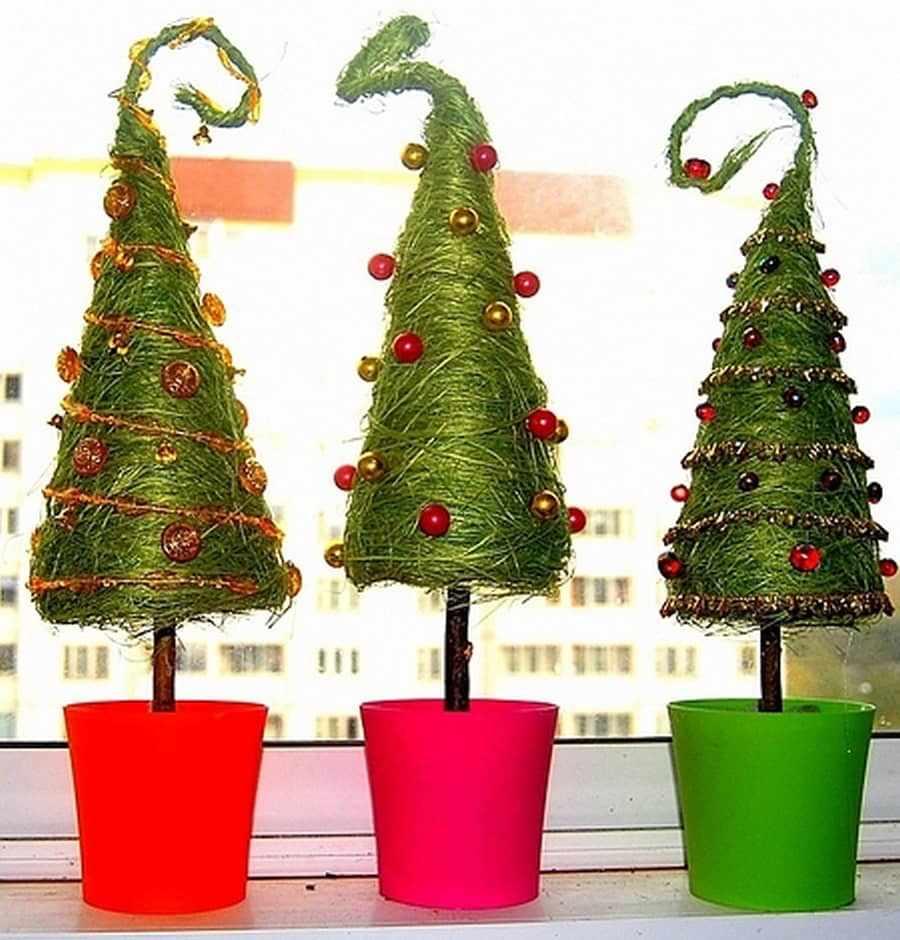 Новогодний топиарий в форме елочки