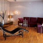 Сиреневый диван на диване