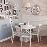Фото на стене в столовой