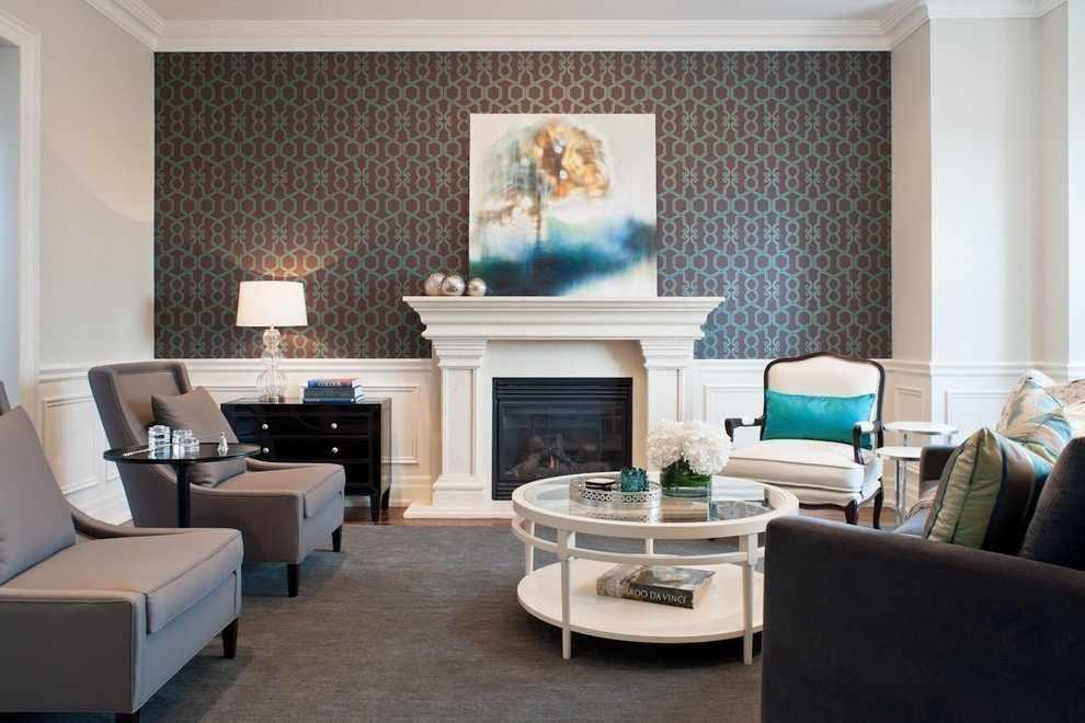 Картина на камине в гостиной
