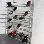 Обувница в углу