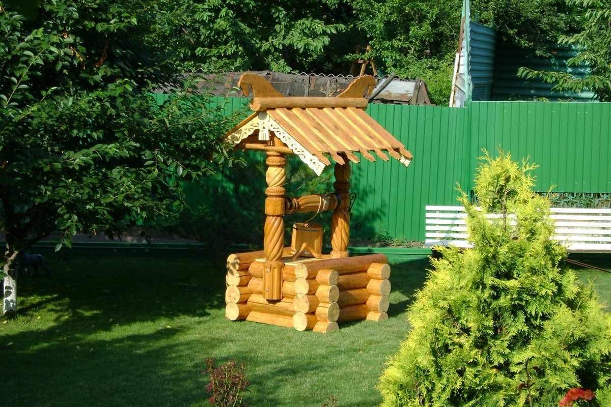 Оформление деревянного колодца