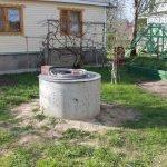Колодец из бетонного кольца