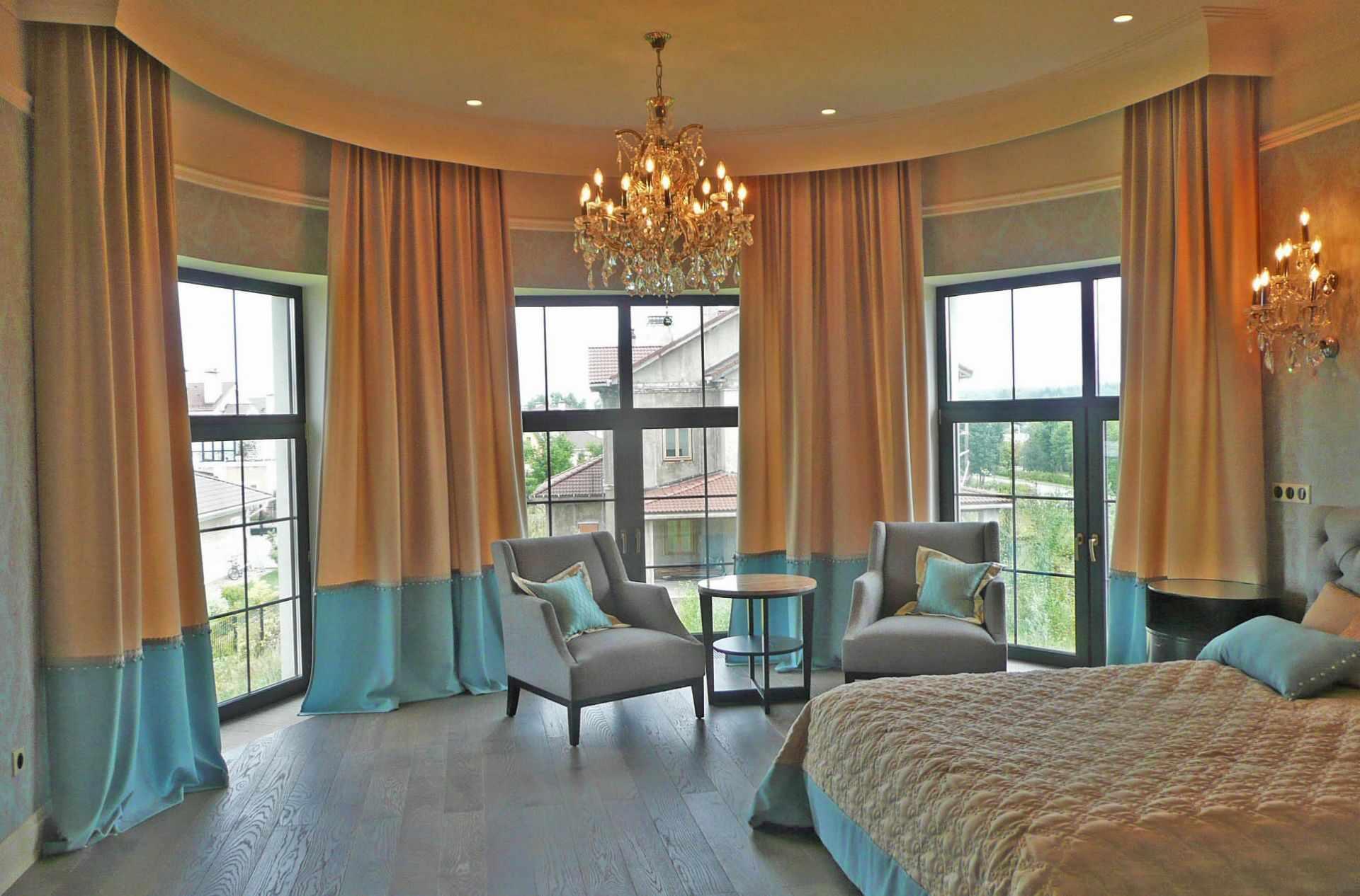 Большие окна в спальне