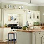 Светло оливковый на кухне