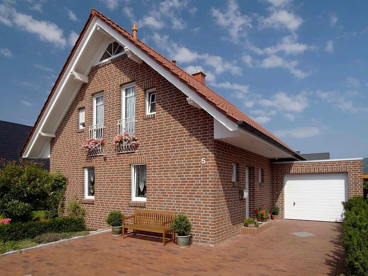 Керамический кирпич на фасаде дома