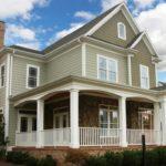 Большой дом с крытой террасой