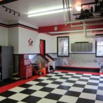Шахматная плитка на полу
