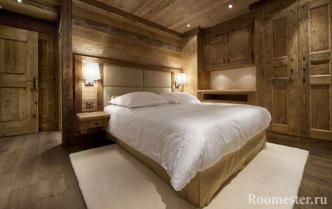 Спальня полностью в дереве