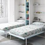 Две откидные кровати