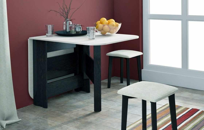 Интерьер с откидным столом