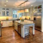 Естественное и искусственное освещение на кухне