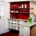 Бордовый в дизайне кухни