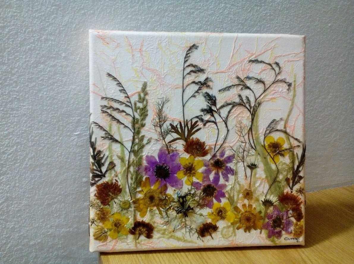 Декоративное панно из сухоцветов
