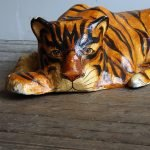 Тигр из папье-маше