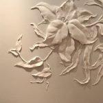 Объемные цветы на стене