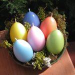 Разноцветные свечи в форме яиц